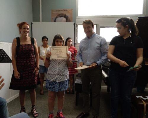 Entrega de diploma a Nerea