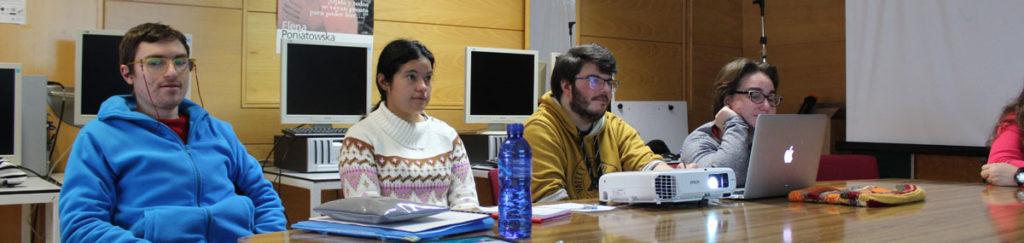 Validadores de Así Mejor colaborando en el proyecto de inteligencia artificial de la Politécnica.